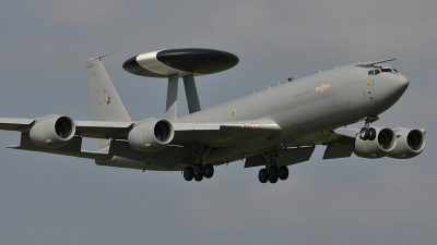 Photo ID 124686 by frank van de waardenburg. UK Air Force Boeing E 3D Sentry AEW1 707 300, ZH104