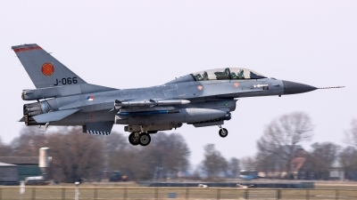 Photo ID 126109 by John. Netherlands Air Force General Dynamics F 16BM Fighting Falcon, J 066