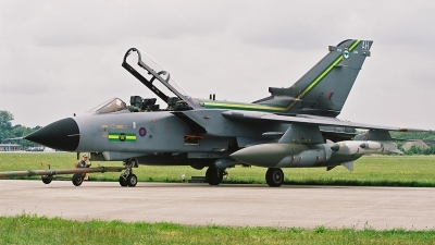 Photo ID 126675 by Jan Eenling. UK Air Force Panavia Tornado GR4, ZA585