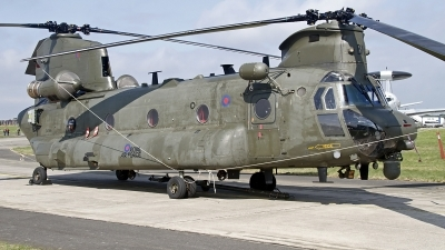 Photo ID 128020 by Niels Roman / VORTEX-images. UK Air Force Boeing Vertol Chinook HC4, ZA718
