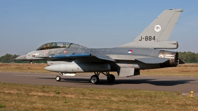 Photo ID 128695 by Jan Eenling. Netherlands Air Force General Dynamics F 16BM Fighting Falcon, J 884