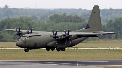 Photo ID 128886 by Carl Brent. UK Air Force Lockheed Martin C 130J Hercules C5 L 382, ZH885