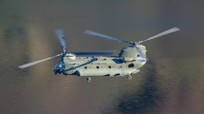 Photo ID 16913 by Barry Swann. UK Air Force Boeing Vertol Chinook HC2, ZA709
