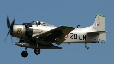 Photo ID 132251 by Florian Morasch. Private Private Douglas A 1D Skyraider AD 4NA, F AZHK