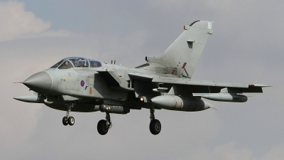 Photo ID 132820 by Paul Newbold. UK Air Force Panavia Tornado GR4, ZG705