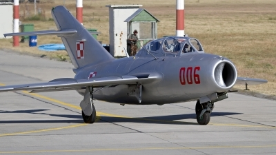 Photo ID 133058 by Niels Roman / VORTEX-images. Private Polskie Orly Mikoyan Gurevich MiG 15UTI, SP YNZ