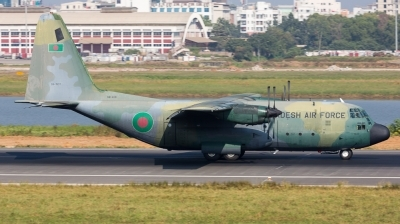 Photo ID 134389 by Andreas Zeitler - Flying-Wings. Bangladesh Air Force Lockheed C 130B Hercules L 282, 59 1537