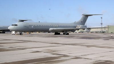 Photo ID 134578 by John Higgins. UK Air Force Vickers 1154 VC 10 K3, ZA147