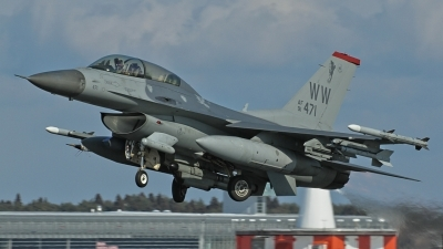 Photo ID 134734 by Darren Mottram. USA Air Force General Dynamics F 16D Fighting Falcon, 91 0471