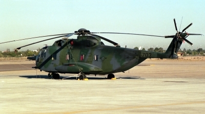 Photo ID 17568 by Michael Baldock. USA Air Force Sikorsky HH 3E Jolly Green, 67 14703
