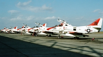Photo ID 17576 by Michael Baldock. USA Navy Douglas TA 4J Skyhawk, 158122