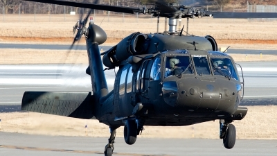 Photo ID 136603 by Adam Wright. USA Army Sikorsky UH 60L Black Hawk S 70A, 99 26837