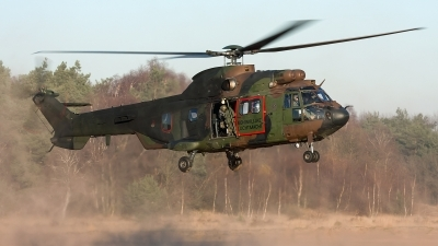 Photo ID 136798 by Robin Coenders / VORTEX-images. Netherlands Air Force Aerospatiale AS 532U2 Cougar MkII, S 440