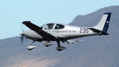 Photo ID 137266 by Antonio Segovia Rentería. Chile Air Force Cirrus SR 22T, 235