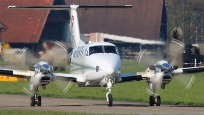 Photo ID 138579 by Ludwig Isch. Switzerland Air Force Beech Super King Air 350C B300C, T 721
