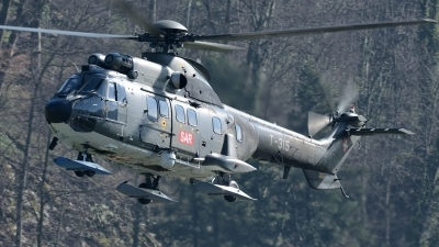 Photo ID 139141 by Martin Thoeni - Powerplanes. Switzerland Air Force Aerospatiale AS 332M1 Super Puma, T 315