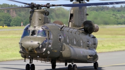 Photo ID 140490 by Mirko Krogmeier. UK Air Force Boeing Vertol Chinook HC2A, ZH894