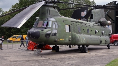 Photo ID 142572 by Jan Eenling. Netherlands Air Force Boeing Vertol CH 47D Chinook, D 665