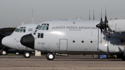Photo ID 144161 by Martin Kubo. Argentina Air Force Lockheed KC 130H Hercules L 382, TC 69