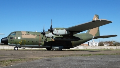 Photo ID 144419 by Martin Kubo. Argentina Air Force Lockheed C 130H Hercules L 382, TC 64