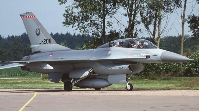 Photo ID 144587 by Arie van Groen. Netherlands Air Force General Dynamics F 16B Fighting Falcon, J 208
