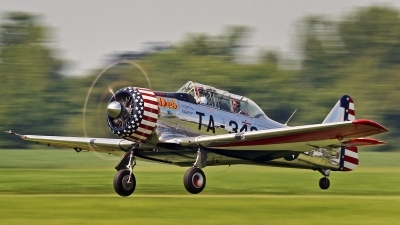 Photo ID 145215 by David F. Brown. Private Private North American AT 6C Texan, N952C