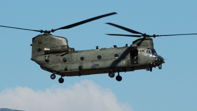 Photo ID 145504 by Alex D. Maras. UK Air Force Boeing Vertol Chinook HC4, ZA718