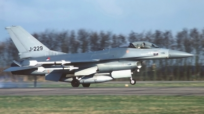 Photo ID 146798 by Arie van Groen. Netherlands Air Force General Dynamics F 16A Fighting Falcon, J 229