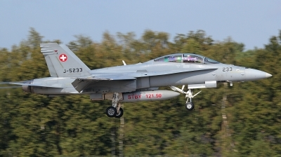 Photo ID 148667 by kristof stuer. Switzerland Air Force McDonnell Douglas F A 18D Hornet, J 5233