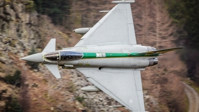 Photo ID 151020 by Tom Dean. UK Air Force Eurofighter EF 2000 Typhoon FGR4, ZJ936