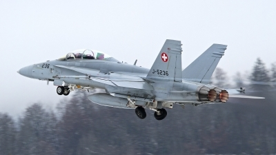 Photo ID 152682 by Tobias Ader. Switzerland Air Force McDonnell Douglas F A 18D Hornet, J 5236