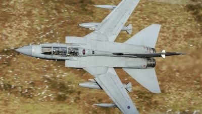 Photo ID 153498 by Paul Massey. UK Air Force Panavia Tornado GR4, ZA406
