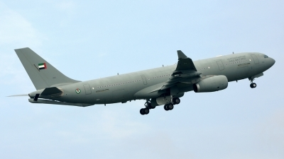 Photo ID 153559 by Mike Hopwood. United Arab Emirates Air Force Airbus A330 243MRTT, 1301
