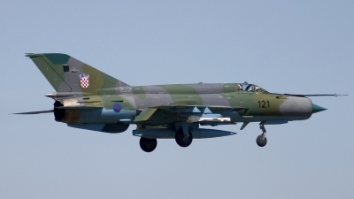 Photo ID 19271 by Chris Lofting. Croatia Air Force Mikoyan Gurevich MiG 21bisD, 121