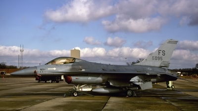 Photo ID 155487 by D. A. Geerts. USA Air Force General Dynamics F 16A Fighting Falcon, 83 1095