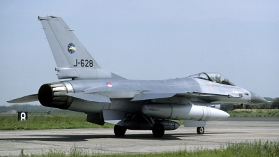 Photo ID 156059 by Joop de Groot. Netherlands Air Force General Dynamics F 16A Fighting Falcon, J 628