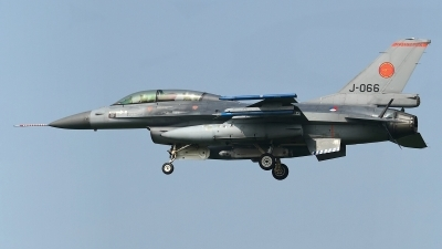 Photo ID 156251 by Rainer Mueller. Netherlands Air Force General Dynamics F 16BM Fighting Falcon, J 066