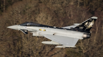 Photo ID 156270 by Tom Dean. UK Air Force Eurofighter Typhoon FGR4, ZJ925