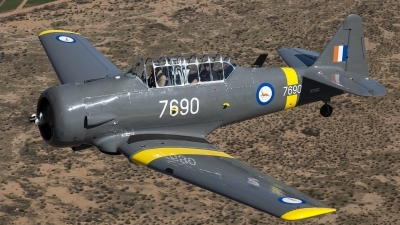 Photo ID 157048 by Thomas Ziegler - Aviation-Media. Private Commemorative Air Force North American AT 6B Texan, N76BZ