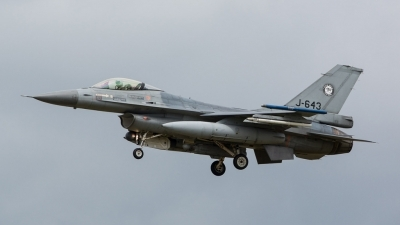 Photo ID 157664 by Doug MacDonald. Netherlands Air Force General Dynamics F 16AM Fighting Falcon, J 643
