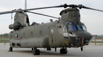 Photo ID 157978 by Florian Morasch. UK Air Force Boeing Vertol Chinook HC4, ZA704