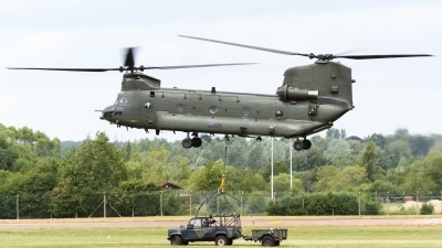 Photo ID 158828 by Marco Casaleiro. UK Air Force Boeing Vertol Chinook HC2, ZD574