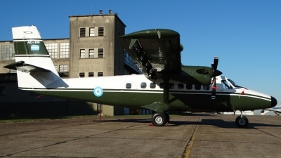 Photo ID 159808 by Martin Kubo. Argentina Army De Havilland Canada DHC 6 200 Twin Otter, AE 106