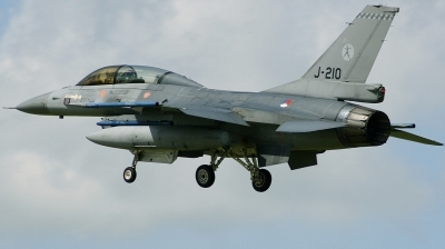 Photo ID 162882 by Arie van Groen. Netherlands Air Force General Dynamics F 16BM Fighting Falcon, J 210