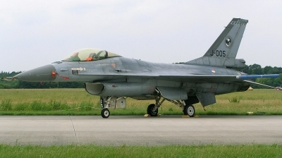 Photo ID 163625 by Arie van Groen. Netherlands Air Force General Dynamics F 16AM Fighting Falcon, J 005