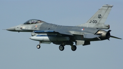 Photo ID 163623 by Arie van Groen. Netherlands Air Force General Dynamics F 16AM Fighting Falcon, J 001