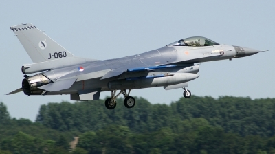 Photo ID 163892 by Arie van Groen. Netherlands Air Force General Dynamics F 16AM Fighting Falcon, J 060