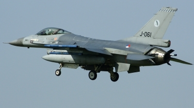 Photo ID 163893 by Arie van Groen. Netherlands Air Force General Dynamics F 16AM Fighting Falcon, J 061