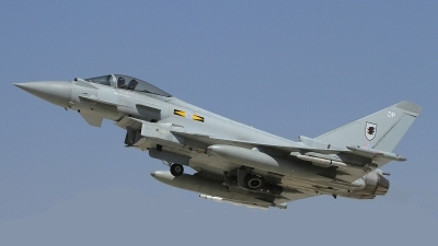 Photo ID 165903 by Paul Newbold. UK Air Force Eurofighter Typhoon FGR4, ZJ915