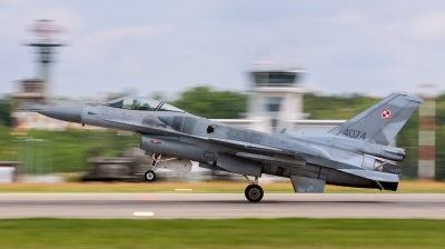 Photo ID 165966 by Sylwia Tylkowska. Poland Air Force General Dynamics F 16C Fighting Falcon, 4074